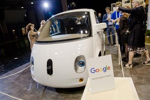 米グーグルはクルマという「ハード」ではなく、自動運転のプラットフォームを握ろうとしている(写真=Bloomberg/Getty Images)