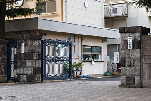 東京医科大学の問題に対し、批判はもっともだが、そこにとどまってはいけない(写真:Rodrigo Reyes Marin/アフロ)