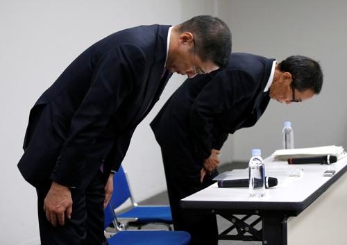 無資格検査問題で謝罪した日産自動車の西川廣人CEO(最高経営責任者)(写真:ロイター/アフロ)