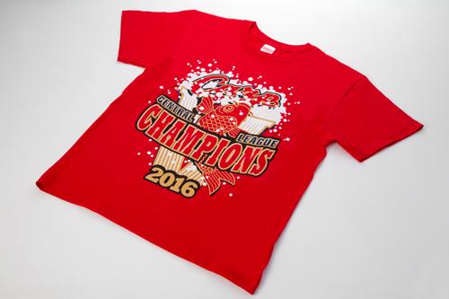 約24万枚を売り上げる大ヒットとなった「ビールかけTシャツ」