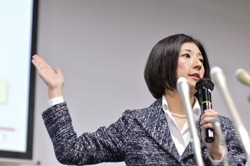 2015年2月16日に開催した中期経営計画は守られるのか?(写真:菊池一郎)