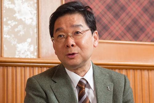 <b>小宮一慶(こみや・かずよし)</b><br /> 経営コンサルタント。小宮コンサルタンツ代表取締役。TV番組「おとな会」にはレギュラーコメンテーターとして、上泉雄一アナウンサーとともに出演している。1957年大阪府堺市生まれ。81年京都大学卒業後、東京銀行に入行。米ダートマス大学タック経営大学院に留学しMBAを取得。退行後、コンサルタント会社などを経て、95年に独立。2014年に名古屋大学客員教授に就任。著書は『成功する人のすごいマーケティング』など多数。(写真:菅野勝男、以下同)