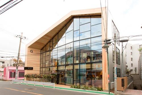 16年11月には「コエ(KOE)」初の路面店、KOE HOUSEを自由が丘にオープンした