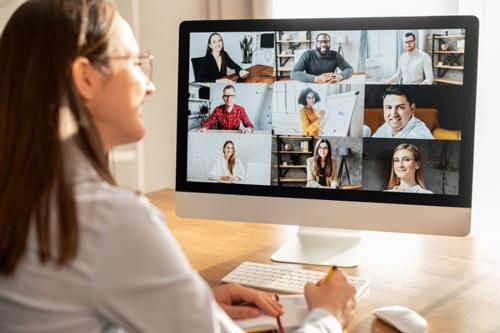 リモートワークを実施するならば、雇用形態の「ジョブ型」への移行が欠かせない。(写真提供:Vadym Pastukh/Shutterstock.com)