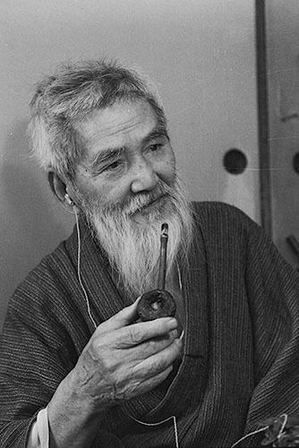熊谷守一 (1971年 [91歳] 撮影:日本経済新聞社)