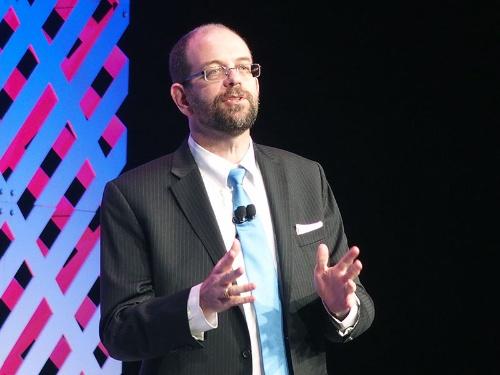 写真3●CES 2016で記者会見する米Toyota Research InstituteのGill Pratt CEO