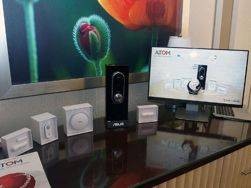 写真1●トレンドマイクロのAtomエンジンを搭載するASUSのIoTデバイスの例