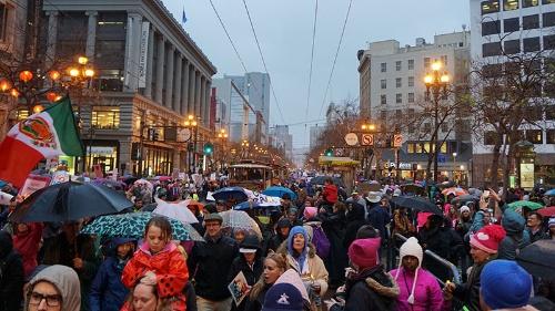 写真●米サンフランシスコの都心部を埋め尽くした「Women's March」
