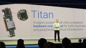 写真3●セキュリティチップ「Titan」を右上に搭載するボード