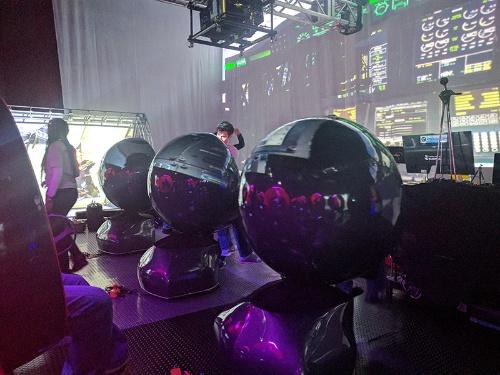 写真1●コクーン型座席が並ぶSXSWの体験ブース