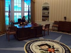 写真3●ホワイトハウスの執務室を模したGitHubの受付