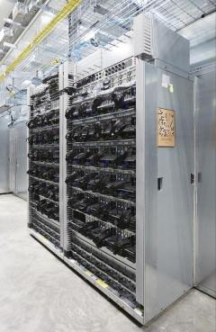 写真5●TPUを搭載したサーバー