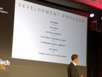 写真2●Teslaにおける機能の開発プロセス