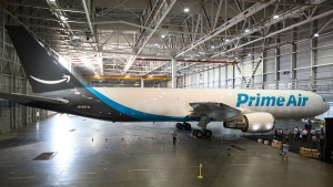 写真●米Amazon.comの専用貨物機