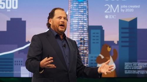 写真1●米Salesforce.comのMarc Benioff会長兼CEO(最高経営責任者)