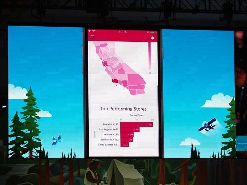 写真2●mySalesforceで開発したT-Mobile専用のモバイルアプリ