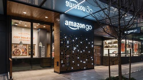 写真1●米Amazon.com本社ビルにできた食品スーパー「Amazon Go」
