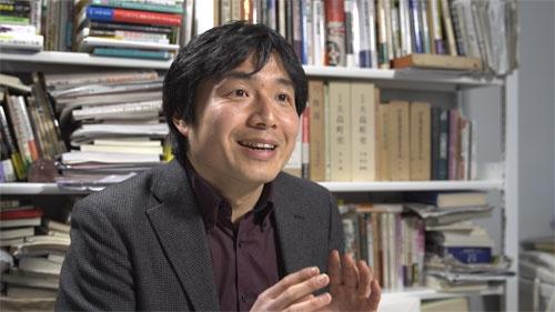 伊豆大島で見つかった幻の憲法を研究する榎澤幸宏