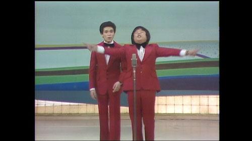 『もみじまんじゅう!』などのギャグで一世を風靡したB&B。すべてを賭け、上京した二人はMANZAIブームを先導するコンビになった