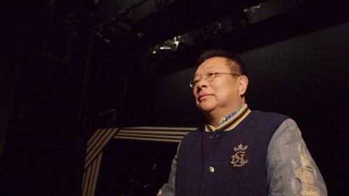 『THE MANZAI 5』の舞台となった博品館劇場に36年ぶりに訪れた島田洋七。最初は何一つ覚えていないと語っていたが、ステージに立つことで当時の思い出が徐々にこみ上げていく