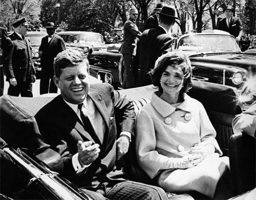 第35代アメリカ合衆国大統領 ジョン.F.ケネディと妻のジャクリーン