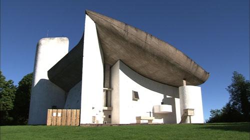 フランスにあるロンシャンの礼拝堂。カトリック・ドミニコ会の巡礼地として建てられた