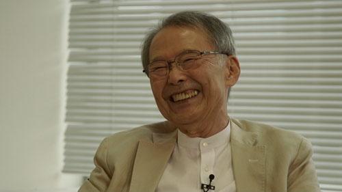 堀井博次。爆笑CMは、街でこんな人に出会った、あんな人に出会ったと言う世間話のような会話から生まれたと言う
