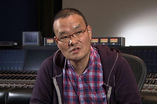 映画監督 中田秀夫。『リング』などでJホラーの旗手として世界的にも評価が高い中田は、ロマンポルノ終了の3年前に日活に入社。 映画づくりをロマンポルノの現場で学んだ