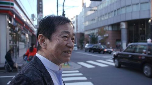 元日本テレビディレクター 矢追純一。UFOやネッシー、雪男などの企画で高視聴率を連発した。ユリ・ゲラーを日本に招き、超能力ブームを巻き起こした