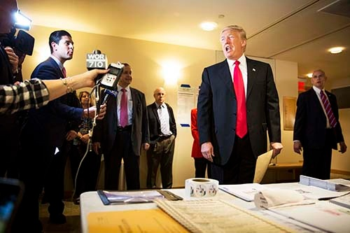 過激な発言をすればするほどマスコミが大きく取り上げることを熟知したドナルド・トランプ氏。マスコミもトランプ氏の老獪な戦略にはめられたか? (写真:The New York Times/アフロ)