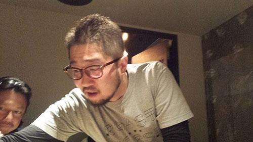 こちらが噂の平山峰吉氏。馬肉にかぎらず、海苔からコメから醤油から、すべての食材にこだわり抜いています。求道者のような雰囲気です。