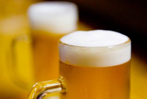 消費者のビール離れが進んでいる