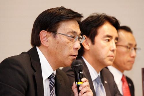 セーブオンの平田実社長は「すでにローソンに転換した店舗では、女性客が増えたり、他県からの来店が増えたり効果が出ている」と語った(2017年2月1日、東京・中央)=撮影:尾関 裕士