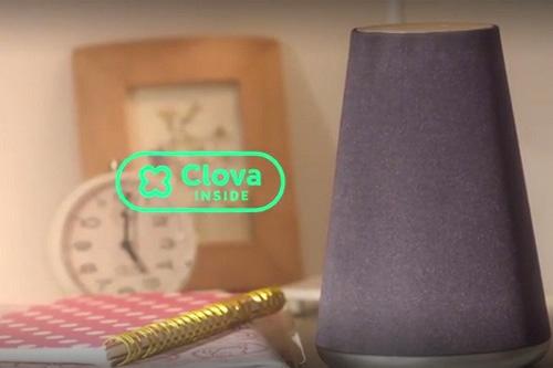 LINEが今夏に発売するスマートスピーカー「WAVE(ウェーブ)」。語りかけると、AIの「Clova(クローバ)」が様々な情報や機能を返してくれる(LINEのプロモーションビデオから)