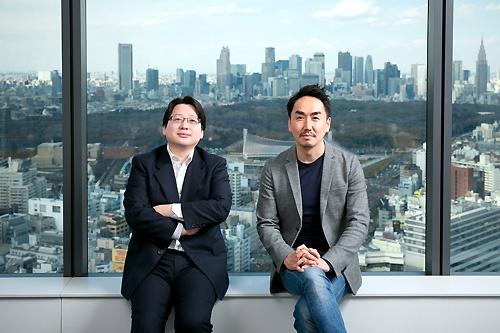LINEの出澤剛社長(右)とクローバをけん引する舛田淳取締役CSMO(左)が第3の創業への意欲を語った(撮影:的野弘路)