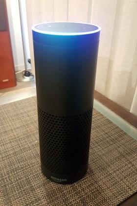 2015年に米国で発売され、500万台以上を出荷した米アマゾン・ドット・コムのスマートスピーカー「Amazon Echo(アマゾンエコー)」