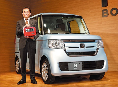 N-BOXを発表したホンダの寺谷公良執行役員