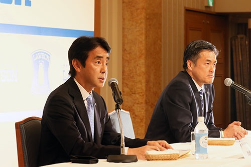 竹増副社長(写真左)のリーダーシップが問われる(撮影:都築雅人