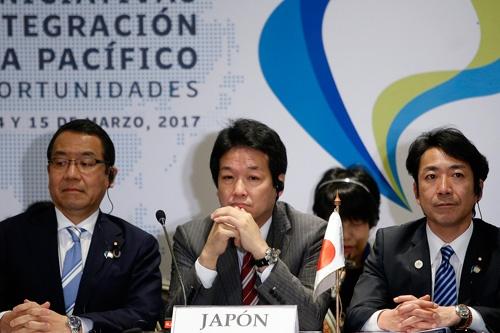 米離脱表後、3月にチリで開かれたTPP閣僚会合。当時は「米抜き」に慎重だったが…(写真=Agencia EFE/アフロ)
