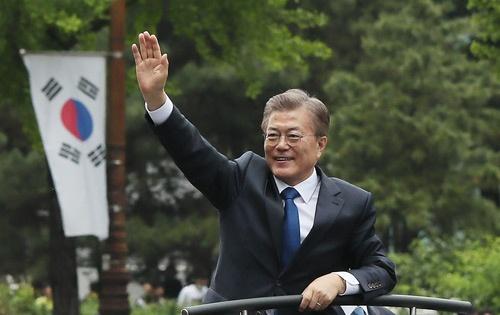 5月10日、文在寅(ムン・ジェイン)氏が韓国の新大統領に就任した(写真:YONHAP NEWS/アフロ)
