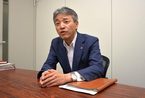 インタビューに応じるセブン-イレブン・ジャパン商品本部長の石橋誠一郎取締役(5月、東京都内)