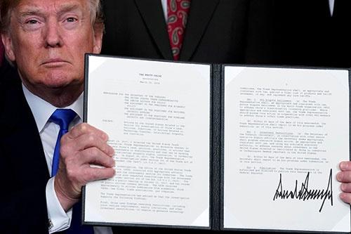 米国は中国に対して約500億ドルの制裁関税を7月6日から順次発動する(写真:ロイター/アフロ)