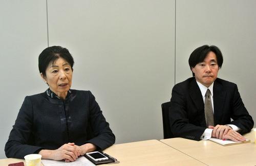 アコーディア・ゴルフの田代祐子社長(左)とMBKパートナーズの加笠研一郎代表取締役