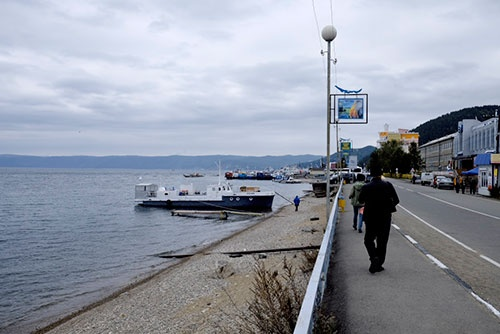 <b>バイカル湖畔にあるリストヴャンカの町。空がどんより曇っているのが残念</b>