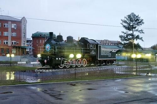 これが、朝起きてすぐに撮った蒸気機関車。ロシアの機関車では小型の部類である