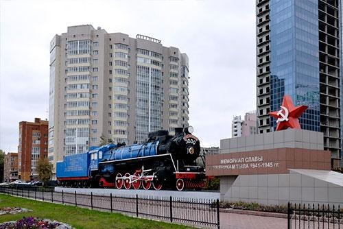 都心部でも戦後70年を記念して蒸気機関車が保存・展示されていた