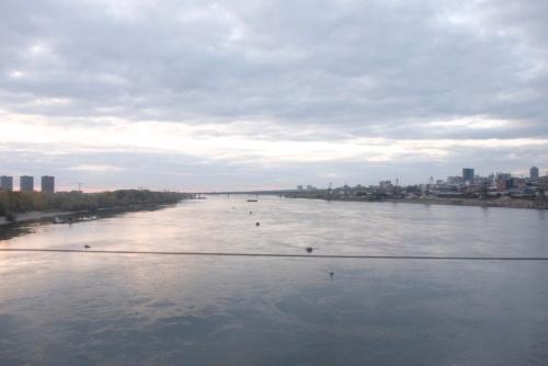 ノヴォシビルスクを出発するとまもなくオビ川を渡る
