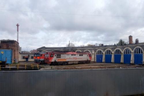 チュメニの機関区。蒸気機関車用の扇形庫が残されていた