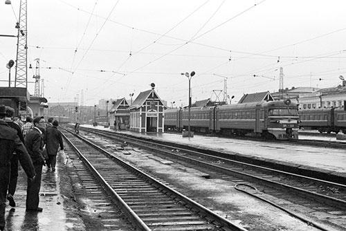 こちらは34年前のスベルドロフスク(現・エカテリンブルク)駅。この型の電車は、今もまだ現役で走っていた(1981年)
