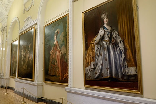 """""""本物""""の女帝、エカチェリーナ2世の肖像画。さすがに貫祿がある"""